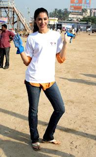 Actress Nargis at DNA Clean Up Drive post Ganpati visarjan