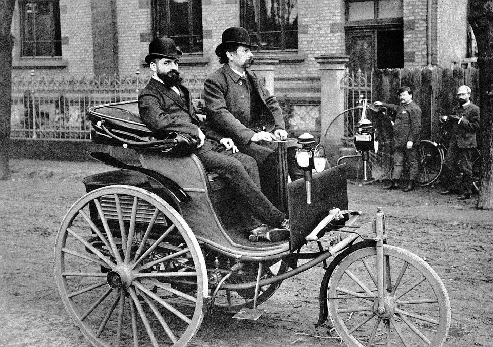 Rare and Vintage Images: First Car in the World