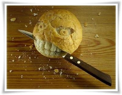 roti bersama pisau