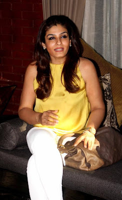 raveena tandon at coffee been in mumbai hot images