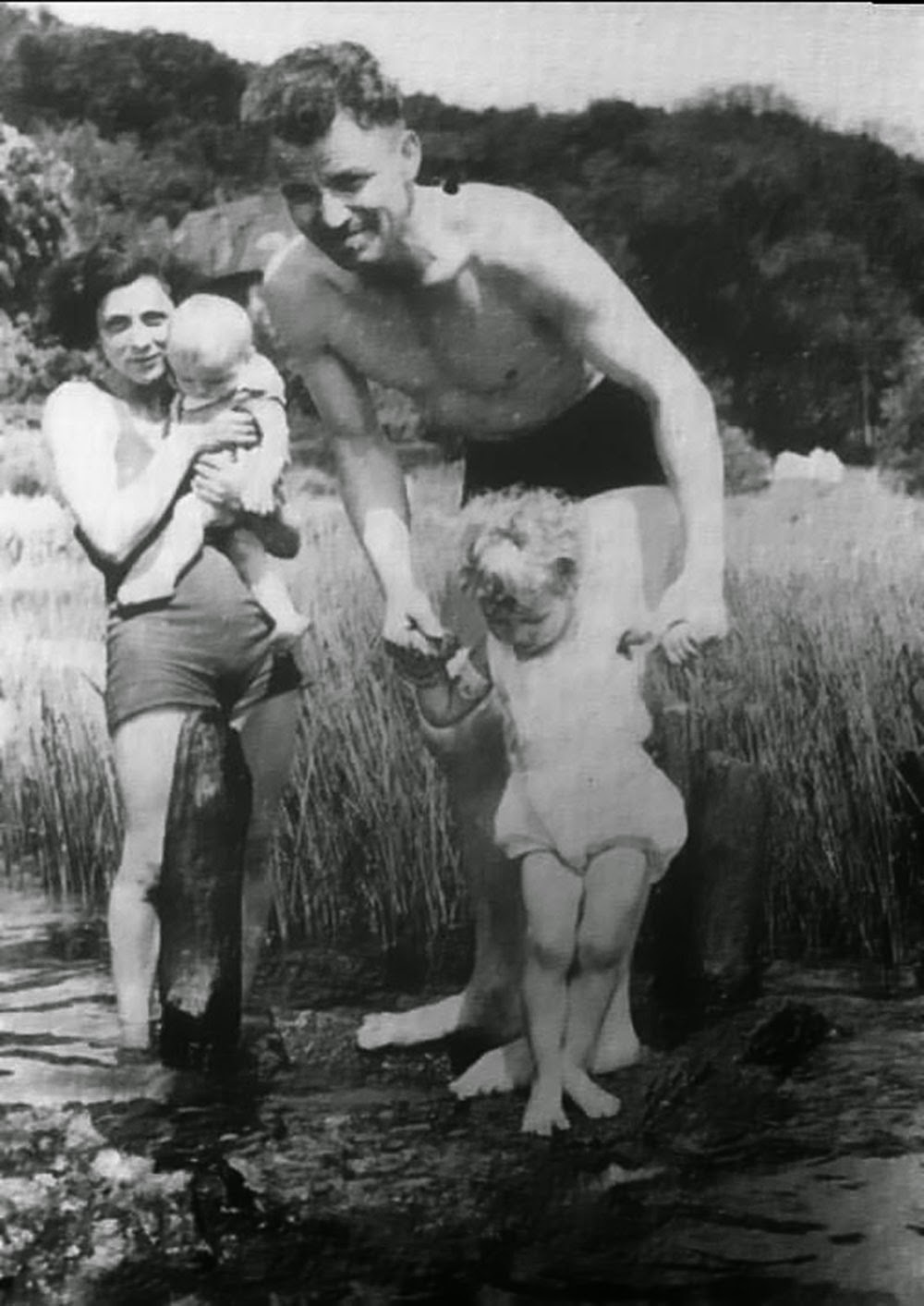 The first and only photo of the family, June 1938. Although it was forbidden for them to meet, they appeared together in public and put themselves at exceptional risk.