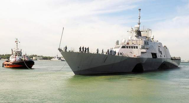 The Freedom casts off from Changi Naval Base on June 11 to begin taking part in CARAT exercises. (MC2 Toni Burton / Navy)
