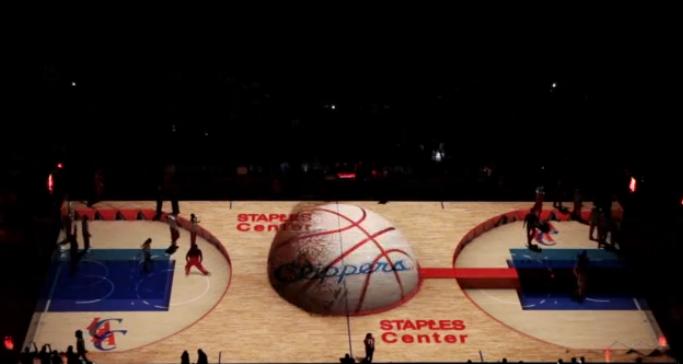 Espectacular show de los Clippers en 3D durante el entretiempo de partido NBA