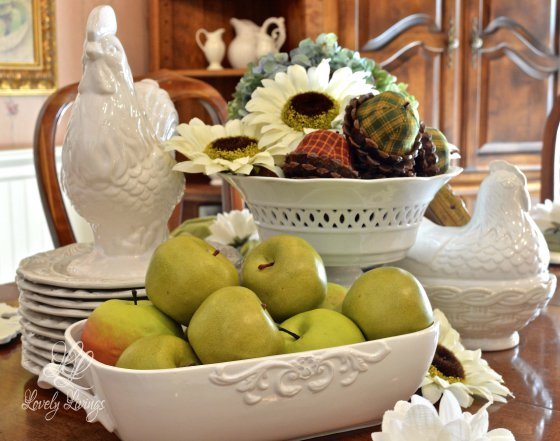 Lovely Things- Rooster Centerpiece-Blog Link Up Party-Treasure Hunt Thursday- From My Front Porch To Yours