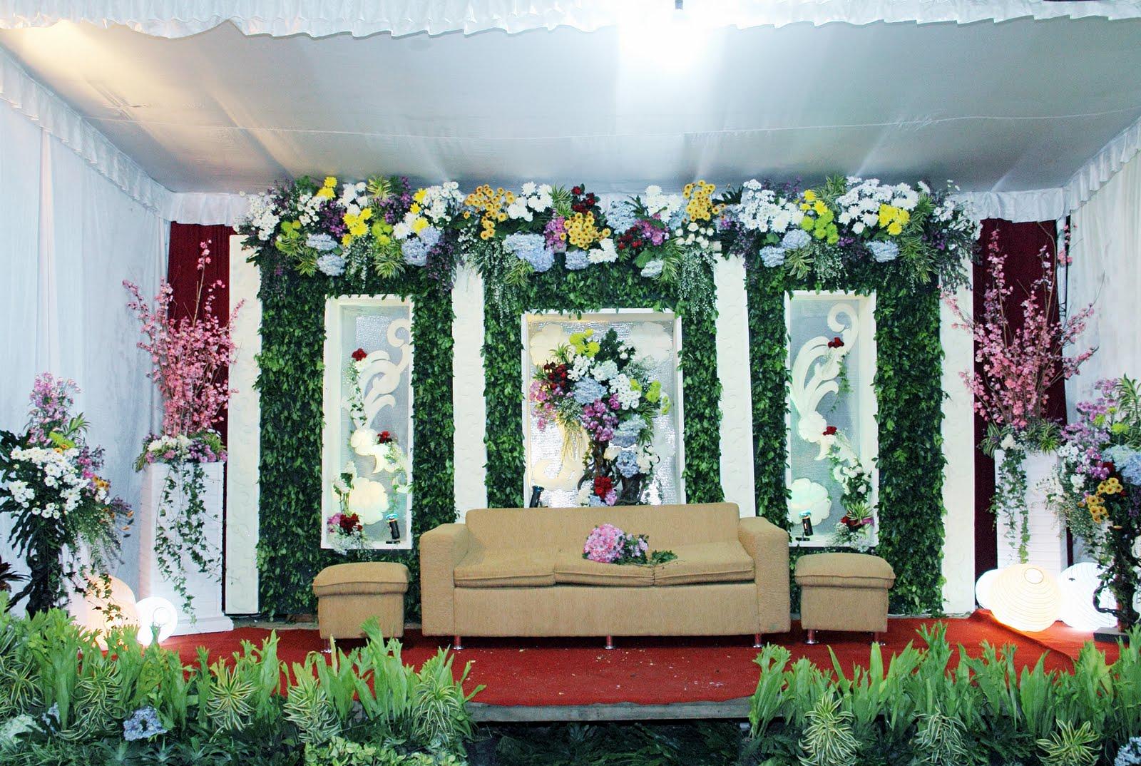 Img3434g dekorasi pernikahan di malang pelaminan wedding decoration online flower shop malang junglespirit Gallery