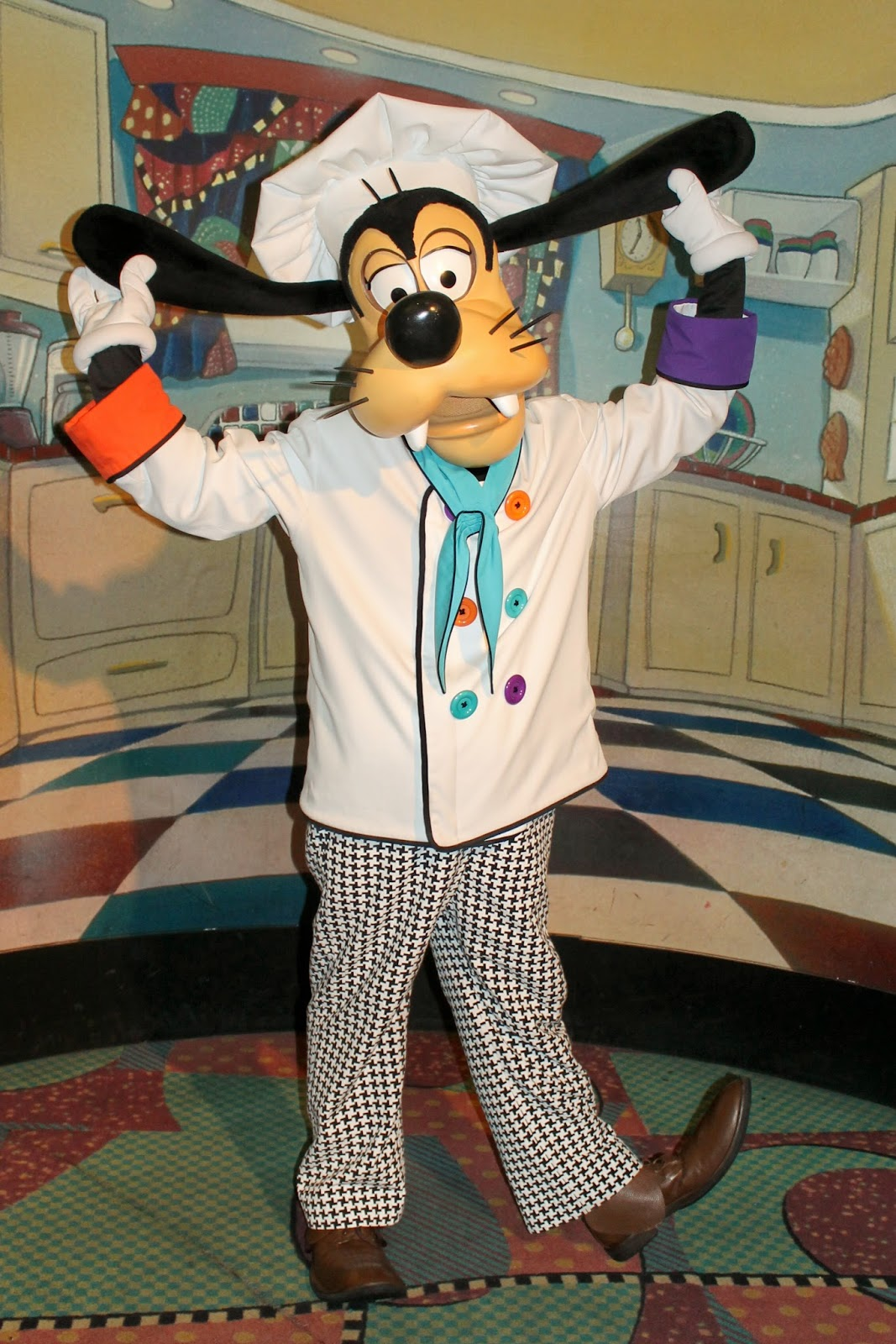 Unofficial Disney Character Hunting Guide: Dining with Character ...