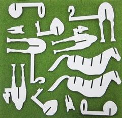 2頭分の馬のパーツ群の写真