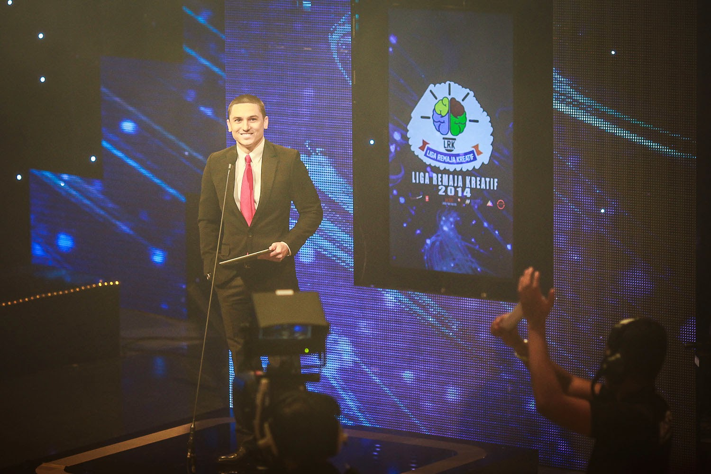Zain Saidin semasa majlis Liga Remaja Kreatif 2014 Peringkat Kebangsaan