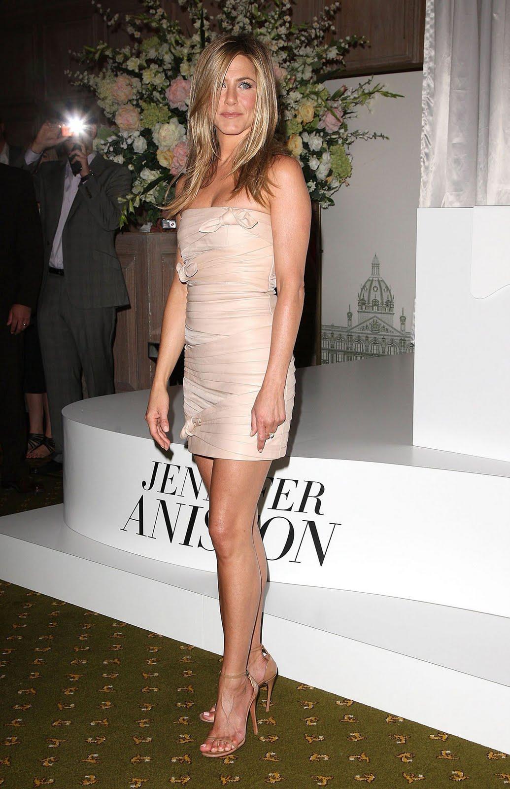 http://2.bp.blogspot.com/-bAsKQfnfS-g/TeykjswTDiI/AAAAAAAAAP4/ji5Kiz5zHog/s1600/Jennifer+Aniston+%25286%2529.jpg