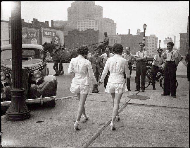 52 photos of women who changed history forever - Two women show uncovered legs in public for the first time in Toronto. [1937]