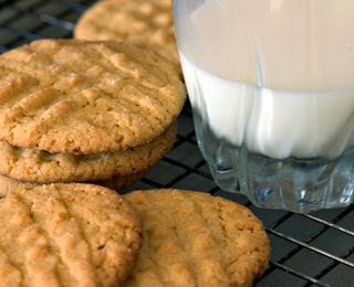peanut butter cookie, recipes courtesy of www.diabeticconnect.com