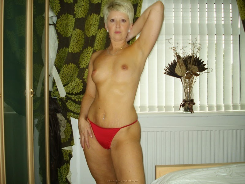 Chico CA Sexy blonde milf needs a casual sex partner
