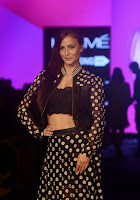 Actress Elli Avram Pictures at Lakme Fashion Week 2015 3.jpg