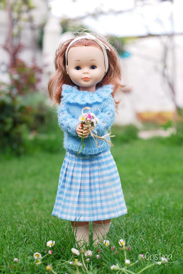 muñeca Nancy con flores