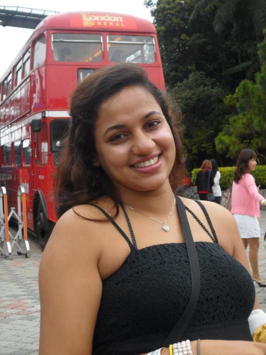 photos tits Udari warnakulasooriya