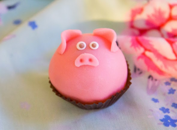 how to make a marzipan pig