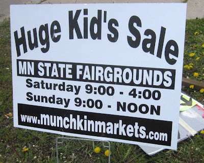 Snipe sign reading Huge Kid's Sale