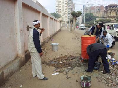 حملة نظافة مكبرة بشارع الحرية