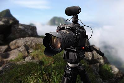 Fotografia della Nikon D7100 in cima ad una montagna