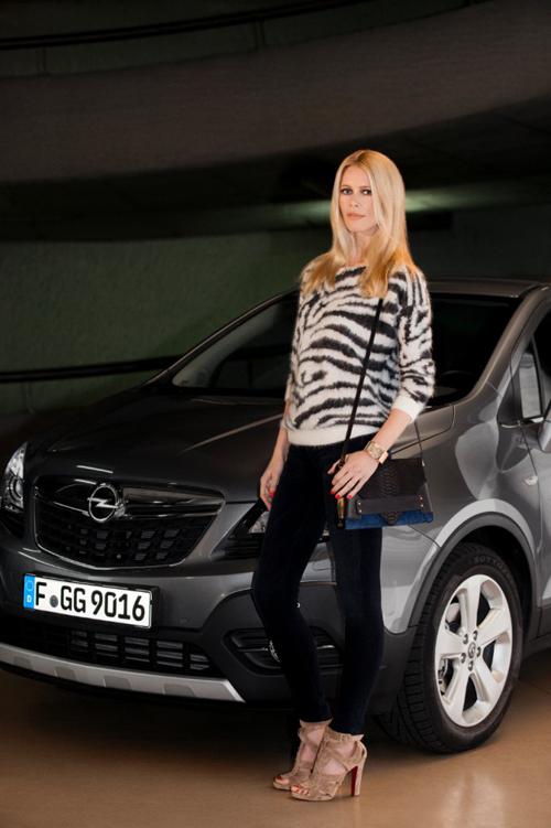 Claudia Schiffer, embajadora europea de Opel