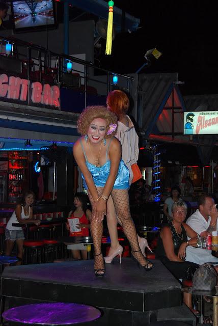 Трансвеститы на Бангла Роуд - transvestites on Bangla Road