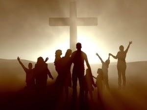 """Nele, digo, em quem também fomos feitos herança, havendo sido predestinados, conforme o propósito daquele que faz todas as coisas, segundo o conselho da sua vontade;  Com o fim de sermos para louvor da sua glória, nós os que primeiro esperamos em Cristo;  Em quem também vós estais, depois que ouvistes a palavra da verdade, o evangelho da vossa salvação; e, tendo nele também crido, fostes selados com o Espírito Santo da promessa;"""" (Efésios 1:11,12 e 13)"""
