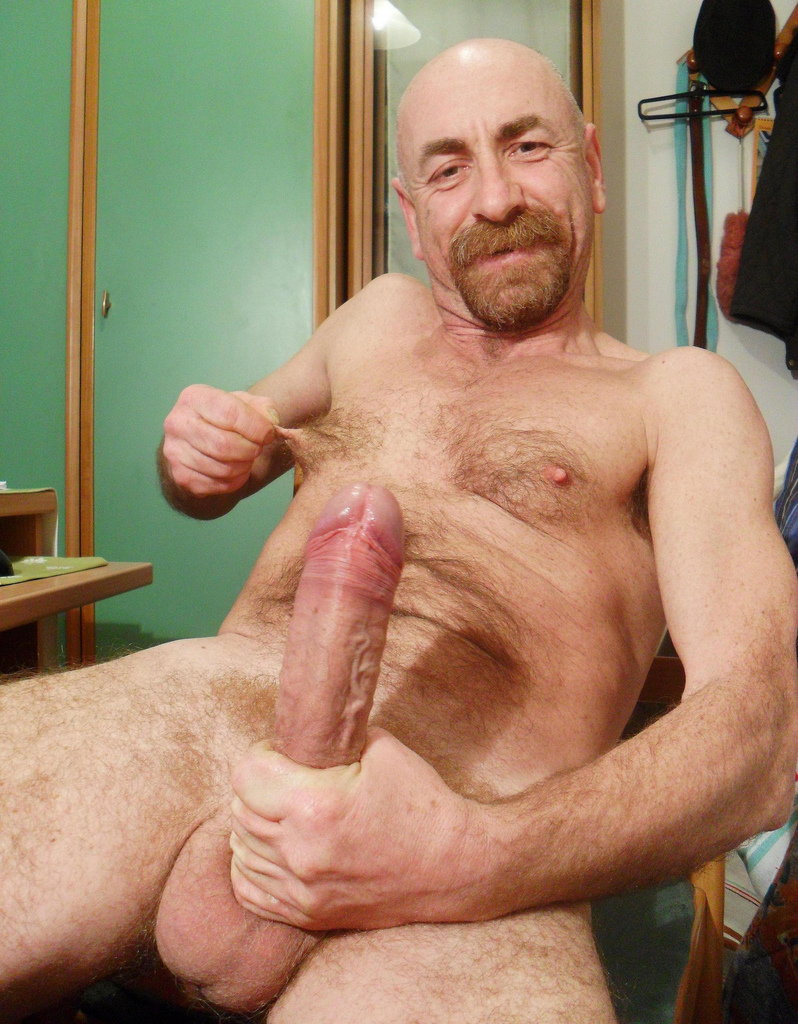 jacking off big dick