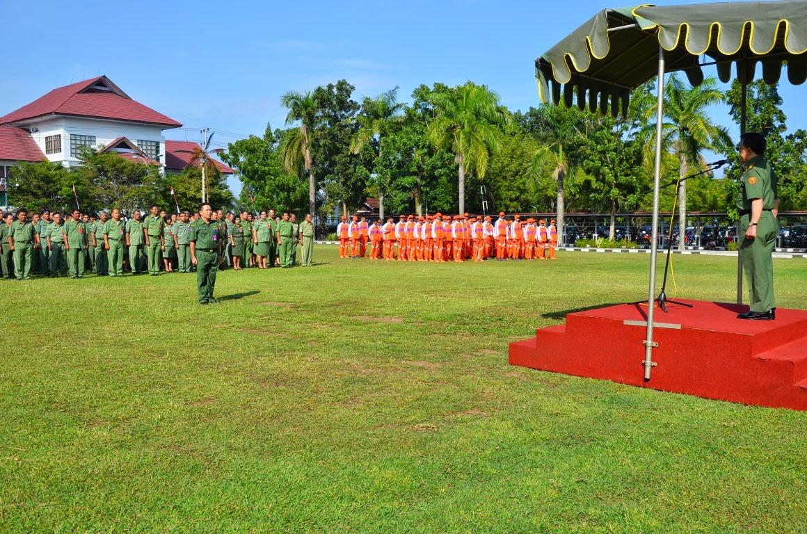 Gubernur Sulawesi Utara Saat Memimpin Apel Awal Bulan November