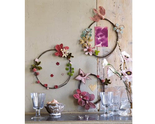 the wreath blog wire and flower wreaths at marie claire id es. Black Bedroom Furniture Sets. Home Design Ideas