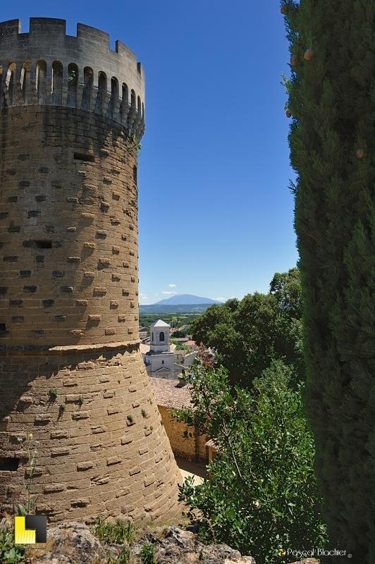 le village de suze la rousse vu du château photo blachier pascal