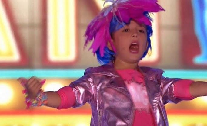 Alexia canta como Celia Cruz Pequeños Gigantes