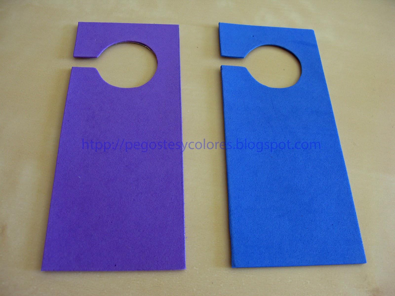 Pegostes y colores colgadores para la puerta con foamy for Colgadores para puertas