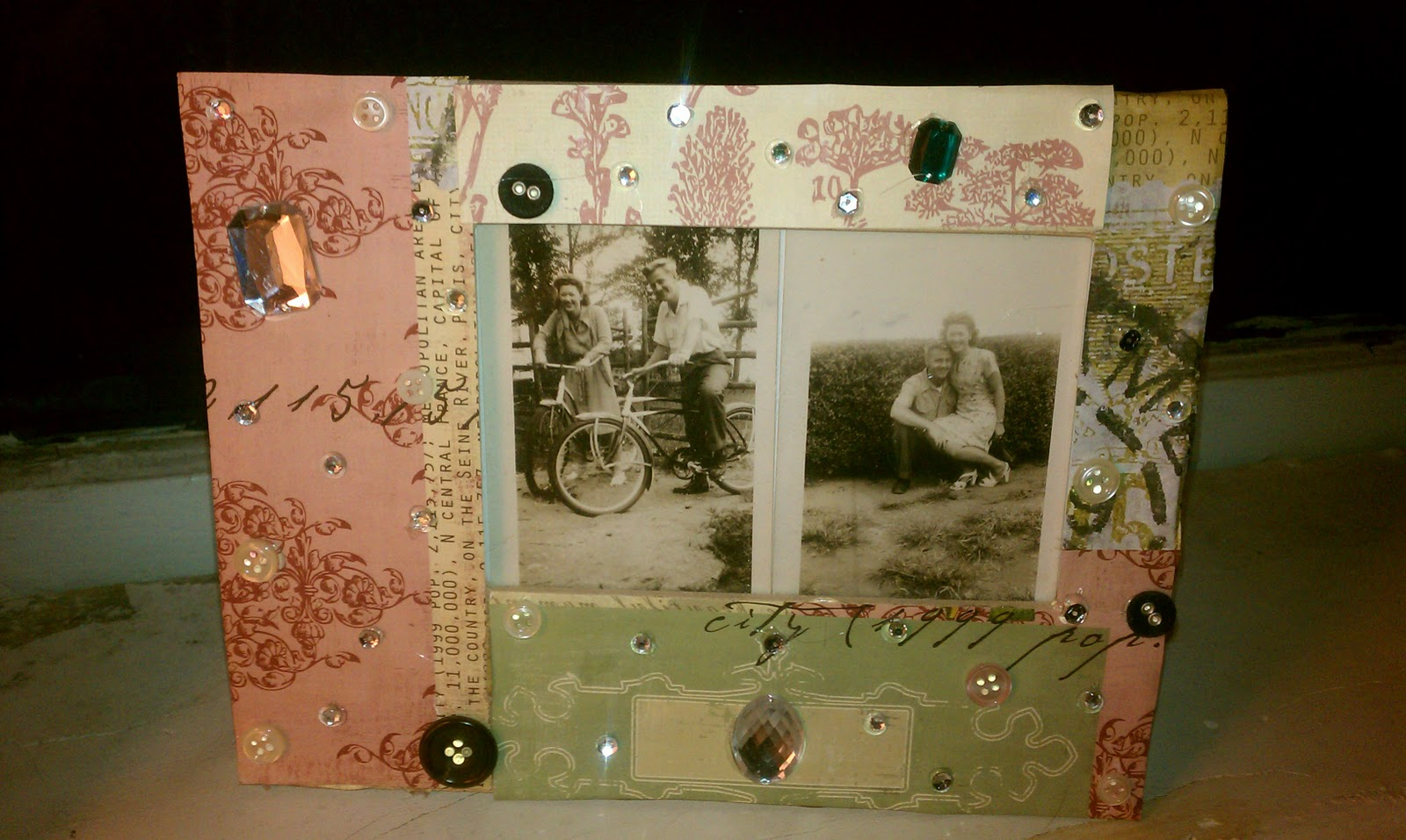 Cupcakes & Couture: DIY Picture Frames
