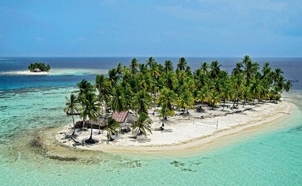 imagem de ilhas com vegetação e algumas casas