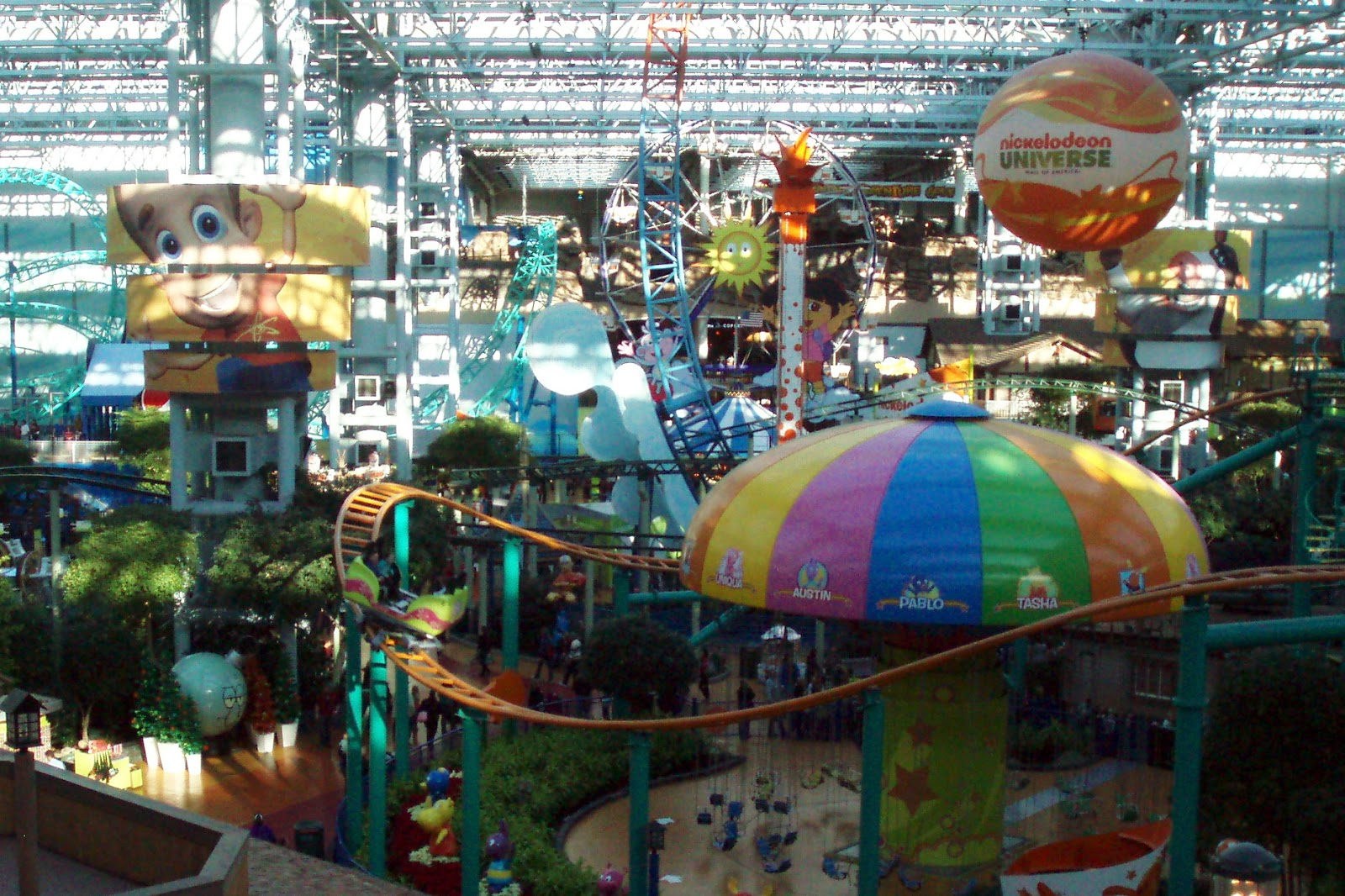 Nickelodeon Universe. Nickelodeon Universe (originally Knott's Camp Snoopy, later known as The Park at MOA) is the seven-acre (28, m²) indoor amusement park in the center of the Mall of America (MOA), in Bloomington, Minnesota, USA. On August 18, , Nickelodeon and Southern Star Amusement announced that.