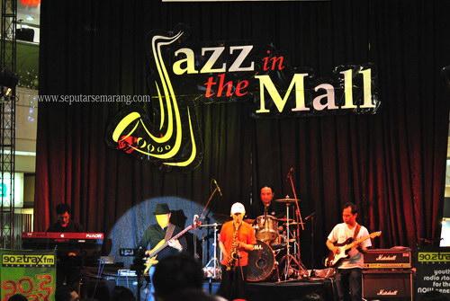 Pertunjukan Musik Jazz di Mall Ciputra