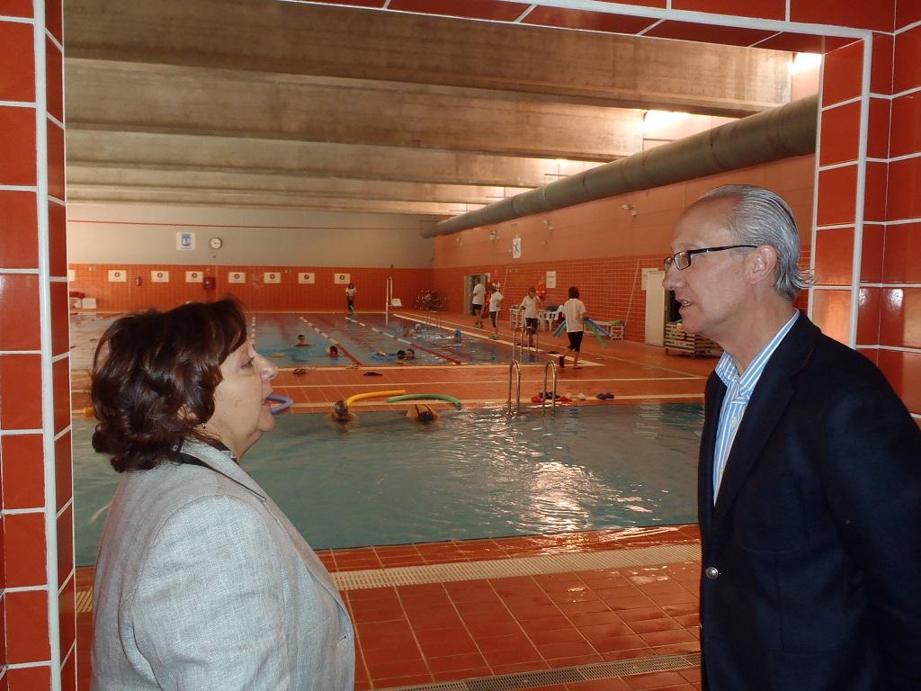 Por el centro deportivo municipal de gallur pasan for Piscina municipal aluche