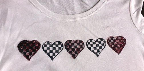 Decorate a T shirt with Bondaweb, transfer foil and block printing