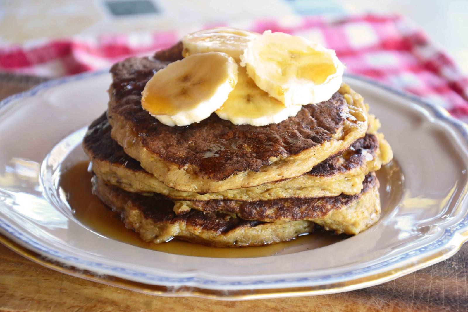 The eccentric Cook: Oatmeal/Pancakes -> Oatmeal-Banana Cake