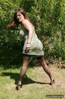 hot mature - sexygirl-Dodger_Nylons_Outside_DD0S0328-784496.jpg