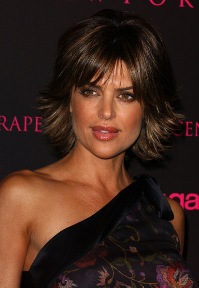 lisa rinna short hairstyles lisa rinna layered razor cut hairstyle ...