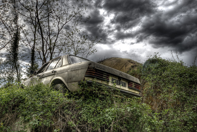 photo hdr urbex, friche auto, photo hdr, photo hdr voiture, urbex puy de dome, photo fabien monteil