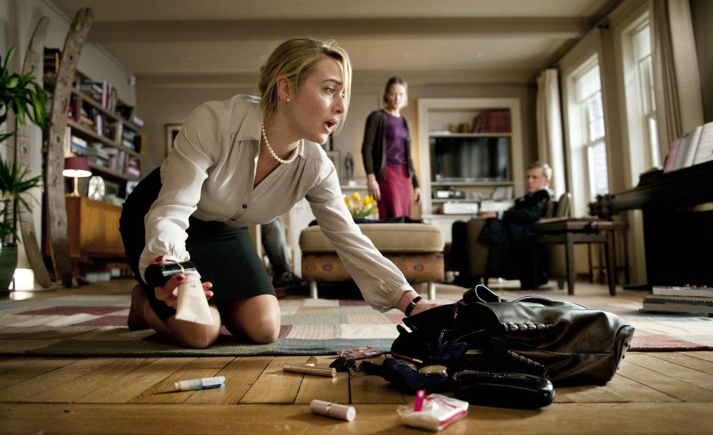http://2.bp.blogspot.com/-bESNlz4tTqE/Tw32q8ZtE4I/AAAAAAAAAX4/qC5hLfDN78E/s1600/Carnage-2011-Kate-Winslet_Jodie-Foster_Christoph-Waltz-3.jpg