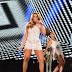 Ivete Sangalo grava 'Show da virada' de vestido curtinho
