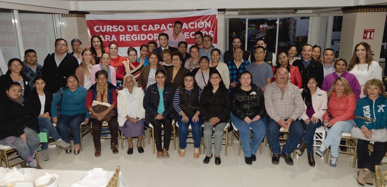 Regidores, agentes de cambio en los próximos gobiernos municipales: HYL
