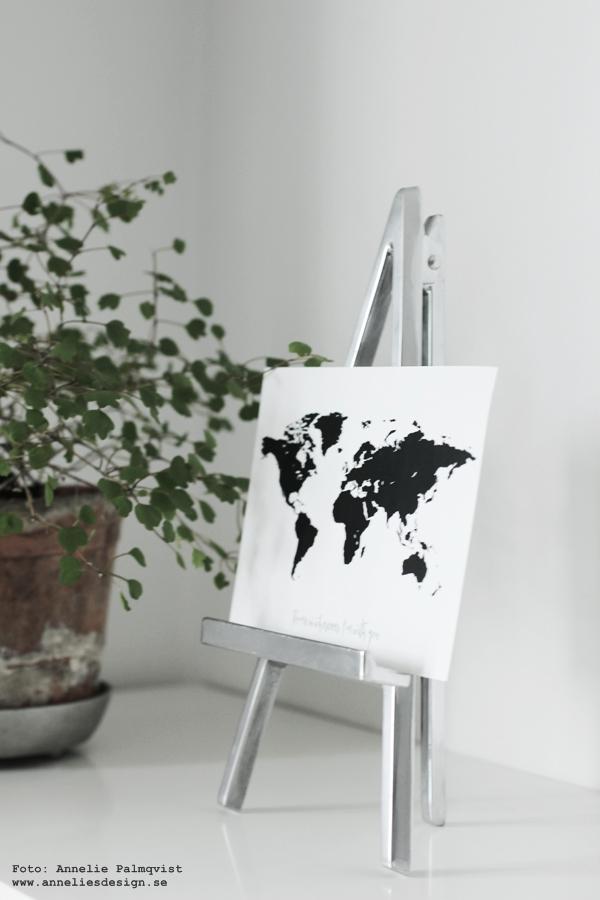 staffli, stafflier av metall, världskarta, vykort, svartvitt, svartvita, kort, svart och vitt, annelies design & interior, posters, konsttryck, karta, kartor, inredning,