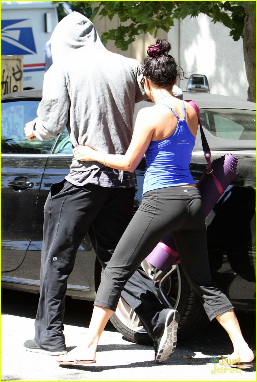 Vanessa Hudgens & Ashley Tisdale: Gym Buddies!