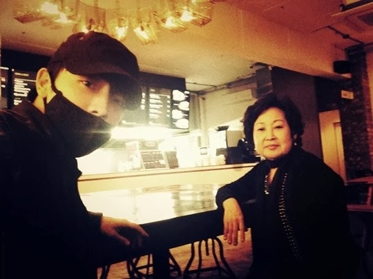 Super Junior Member Donghae Takes His Mother Out for a Bite to Eat