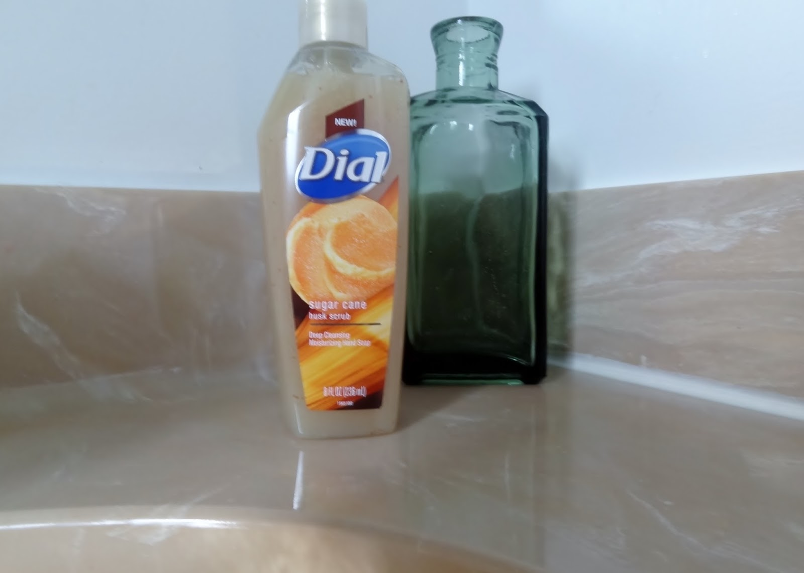 Dial, conditioning soap, refreshing moisture, family soap