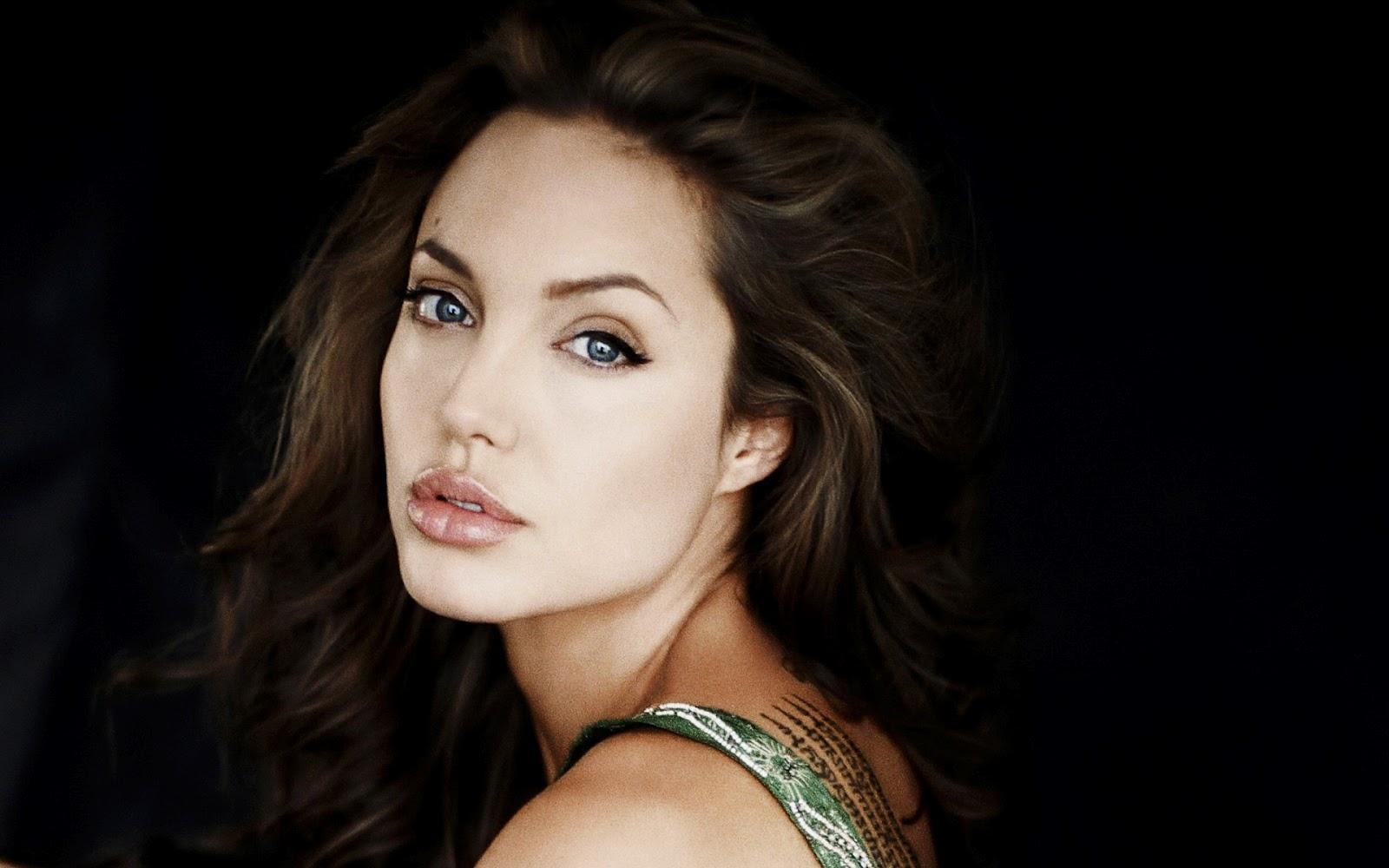 http://2.bp.blogspot.com/-bFIPtYQF9vU/UBTmIT8ZFQI/AAAAAAAAMc0/nHY6moNt8eA/s1600/Angelina-Jolie-352.jpg
